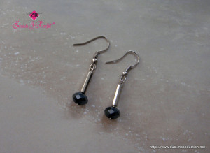 11-Earrings blk crystals